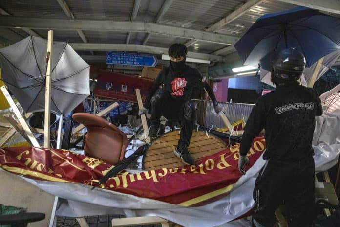 More Transit Disruptions, More Violence Break Out in Hong Kong