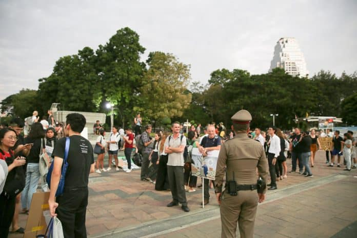 Police Order Bangkok Climate Protest to Disperse