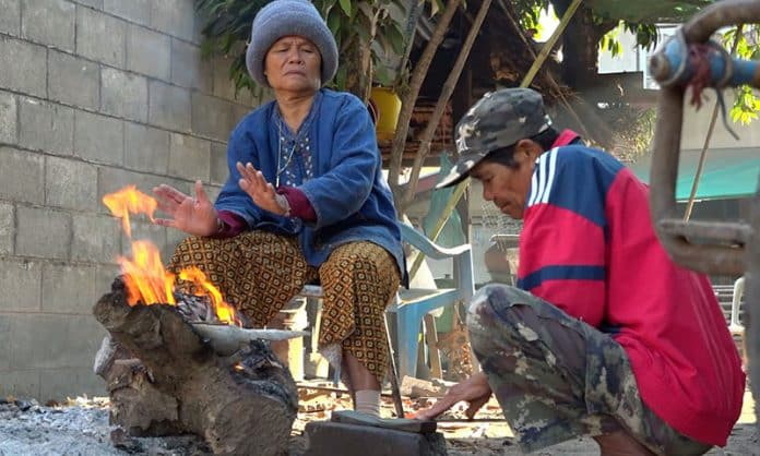 Elderly Man in Isaan Dies from Cold Weather